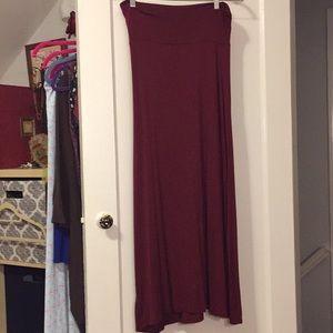 Maroon maxi skirt medium